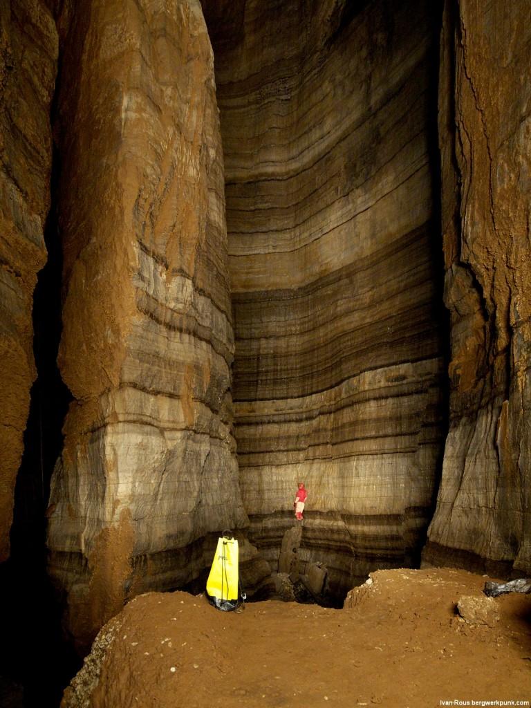 Chladná, surová a krásná, podzemní královna Černé Hory, jeskyně Iron Deep v hloubce 350 m. Foto I. Rous.